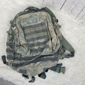 US Military Camelbak Maximum Backpack environmenta